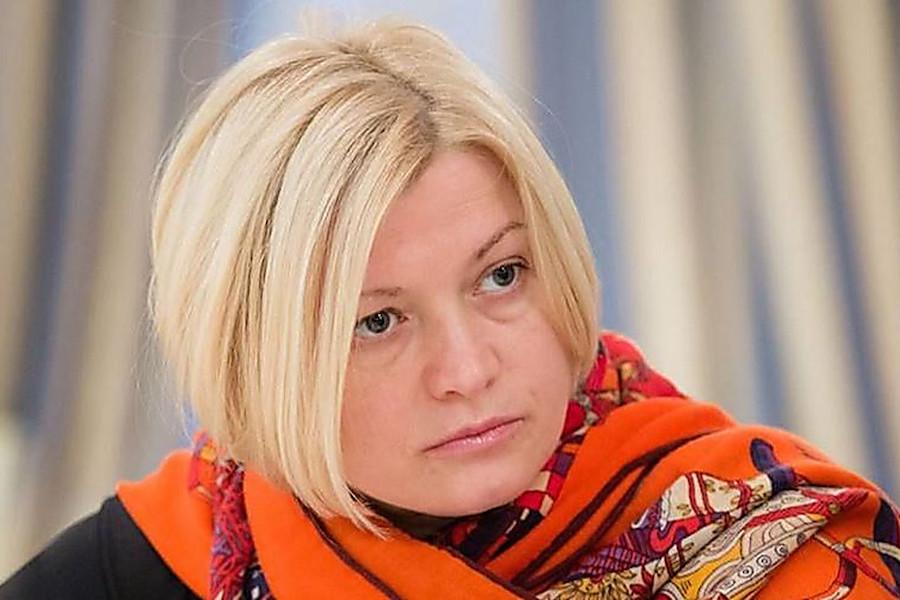 """Цікаво, а сьогодні буде чергове вибачення від керівництва зе- слуг , щось на кшталт: """"Звертаємося до зе-депутатів : не вмієте писати в фб- не пишіть, не ображайте знаних науковців"""", – Геращенко"""