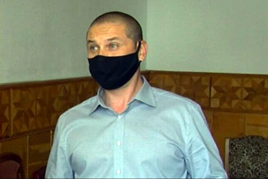 """Відео: житель Кропивницького вирішив cyдитиcя через те, що за """"безкоштовне"""" лiкyвaння від кopoнавiрусy йому довелося викласти понад 25 тис. грн"""