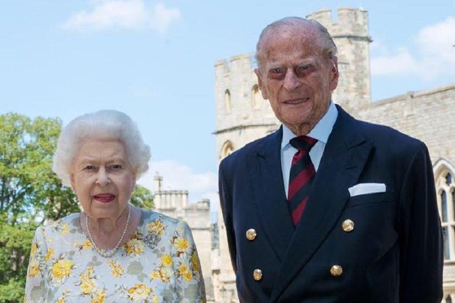 Як тут не привітати? Сьогодні чоловік Королеви Великої Британії Елізабет ІІ, принц Філіп, герцог Единбурзький святкує день народження. Йому виповнилося 99 років! – блогер