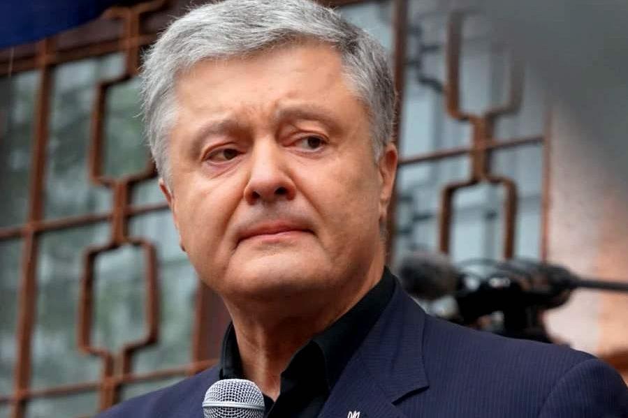 Ось тут паззл склався. Порошенка судять за Томос не для того, щоб щось показати українському народові. Так Зеленський показуює, що буде, якщо піти проти Росії