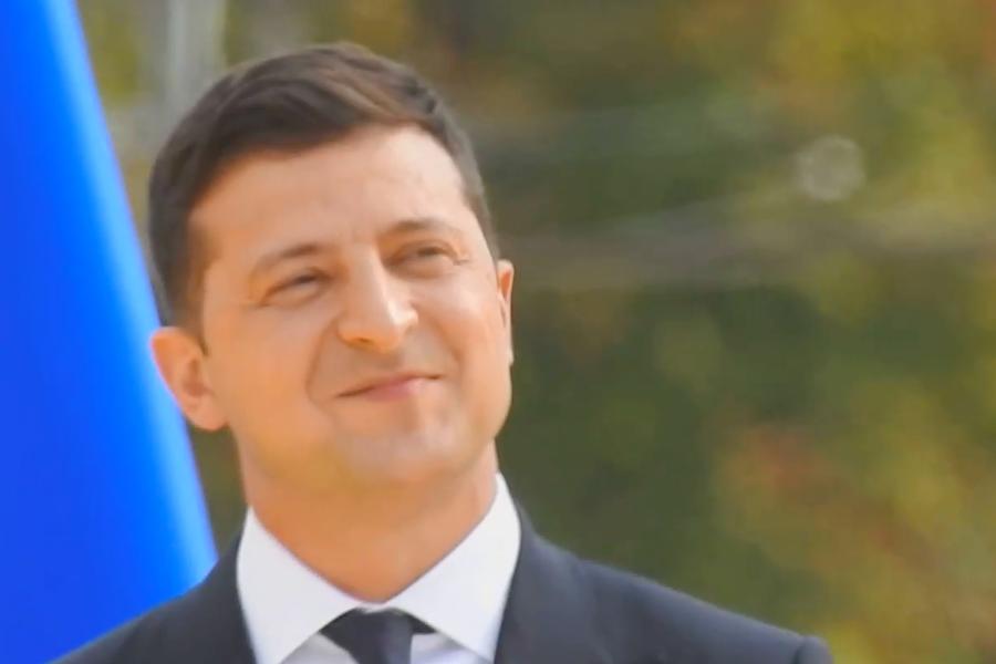 """Європейський політик про Марш вeтepaнів: """"Там що справді не було Зеленського? Мене дуже здивувало, що він в цей час підтанцьовував під пісні ваших поп-зірок"""""""
