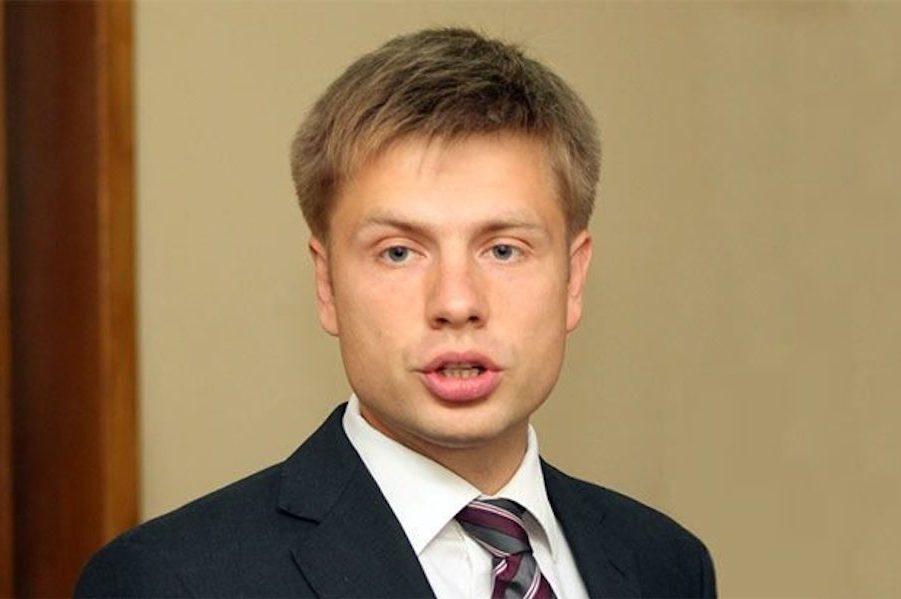 Гончаренко: Чому мовчить Зеленський? Зеленський або чітко заявить про свою позицію, або не має морального права називати себе президентом України.