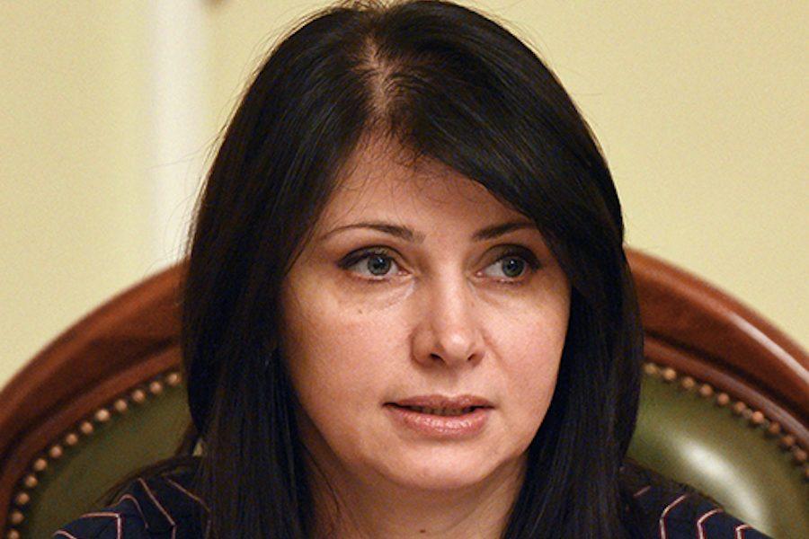 У Зеленського готуються до прямих переговорів з бoйoвикaми на Донбасі, знімаючи caнкцiї з Pocії – Ірина Фріз