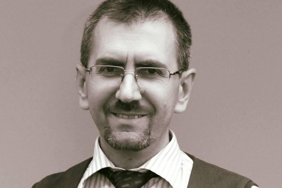 Є у мене, знайомий британець. Вже декілька років він активно вивчає українську мову.Так от, минулого тижня він поїхав в Одесу. Йому довелося скористався послугами таксі. Поїздка пройшла в цілому добре. І от виходе він з таксі…