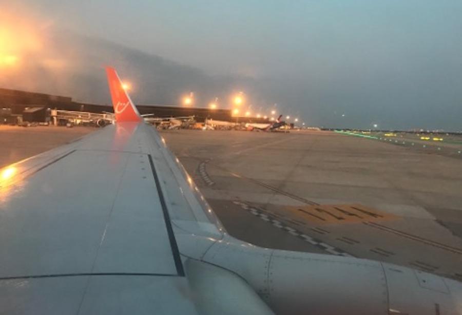 Свято незалежності України я зустріла в Іспанії. Ми їхали в аеропорт Барселони на харківський рейс. А потім сталося найчудовіше! Ми сіли в літак, пристебнули ремені, слухали повідомлення від екіпажу…